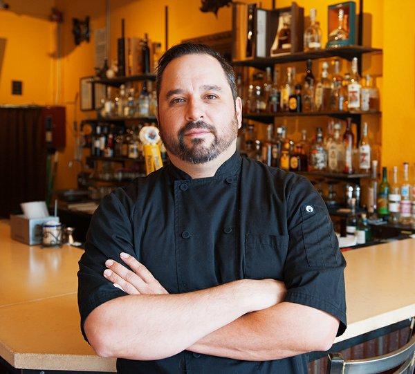 Uno-Mas-Taqueria-Staff-RICK-SHARMAN-Chef-006b.jpg